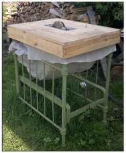 Пильный стол в сборе на станине, с мешком для сбора опилок