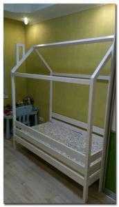 Кроватка-домик из массива сосны. Фото-2