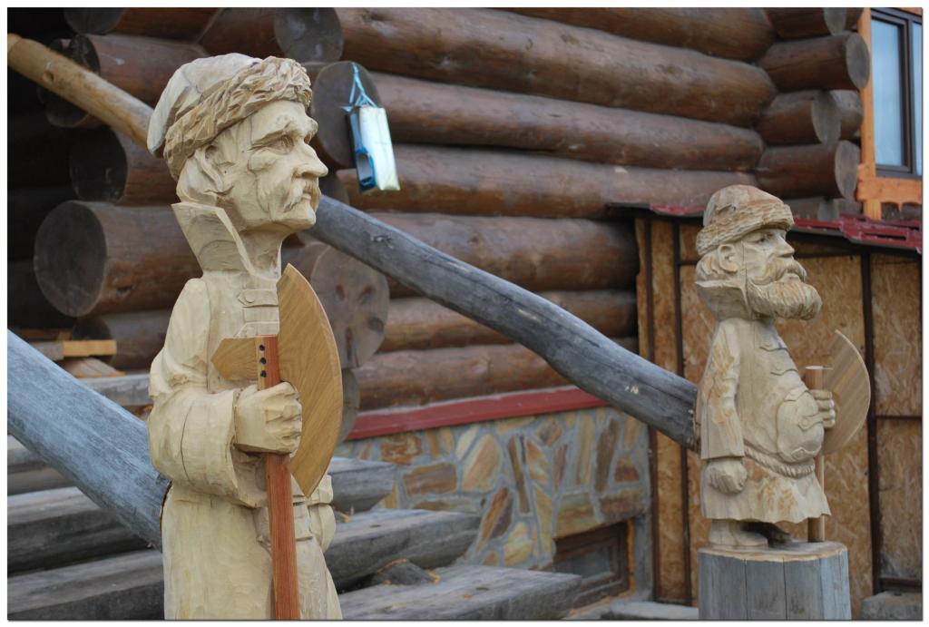 Резьба по дереву. Уличные скульптуры (10)