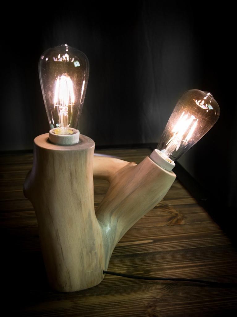 Настольный деревянный светильник Фото (2)