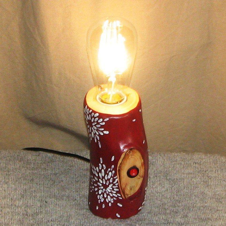 Настольный светильник из дерева Фото (1)