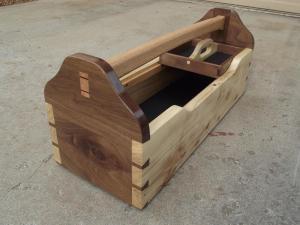 Ящик для инструментов из дерева. Фото (2)