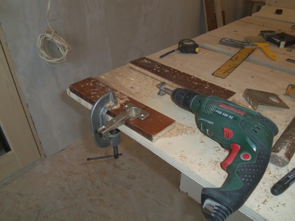 Самодельный шаблон для врезки мебельных петель. Фото (11)