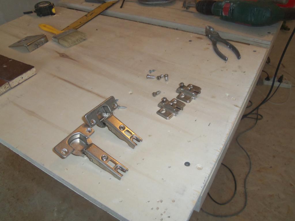 Самодельный шаблон для врезки мебельных петель. Фото (2)