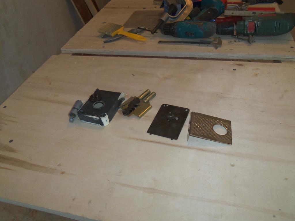 Самодельный шаблон для врезки мебельных петель. Фото (3)