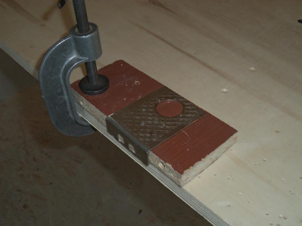 Самодельный шаблон для врезки мебельных петель. Фото (5)
