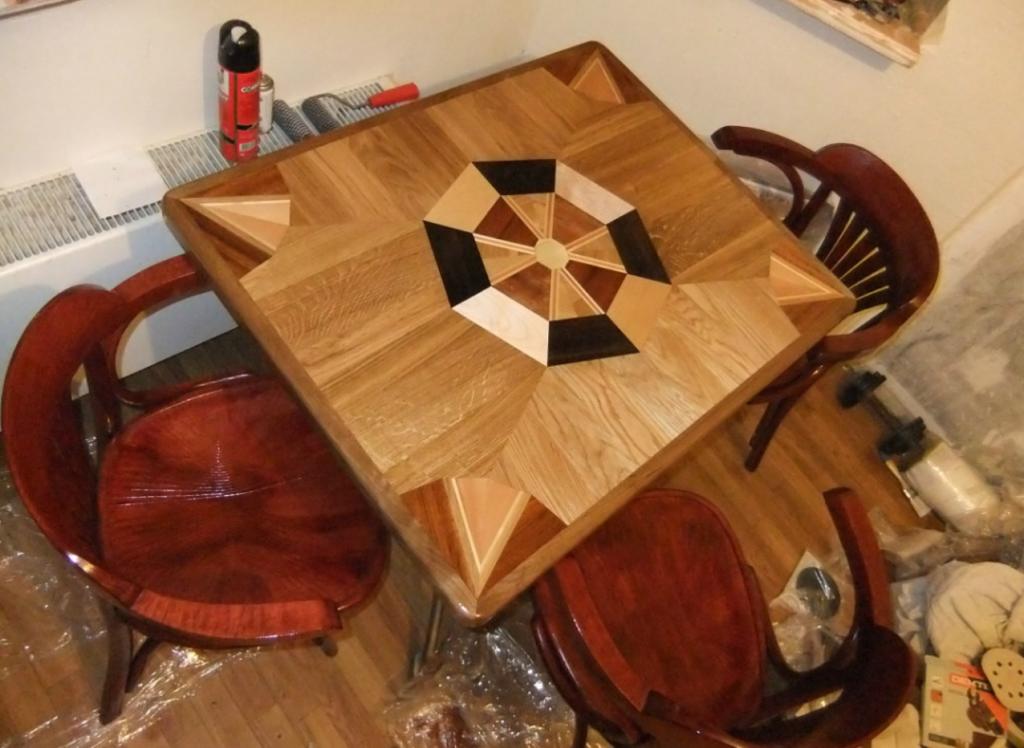Кухонный стол с интарсией
