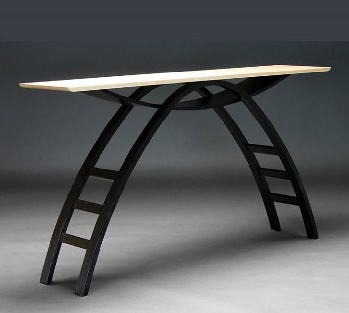 Стол с параболическим подстольем