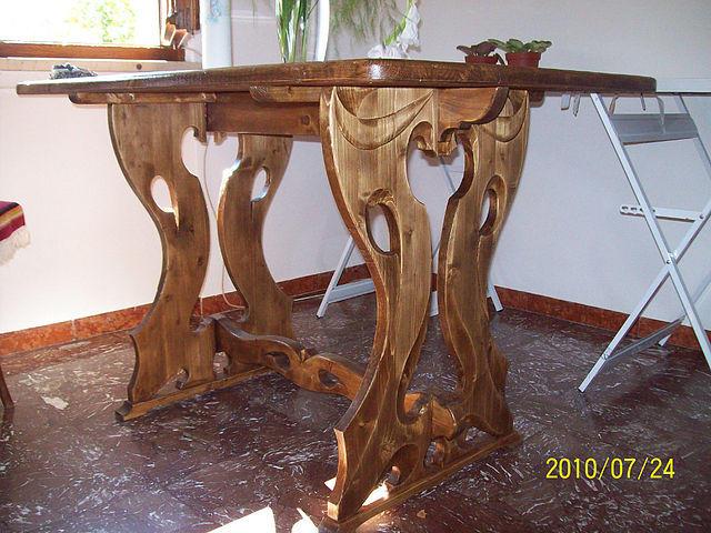 Стол с резным подстольем (2)