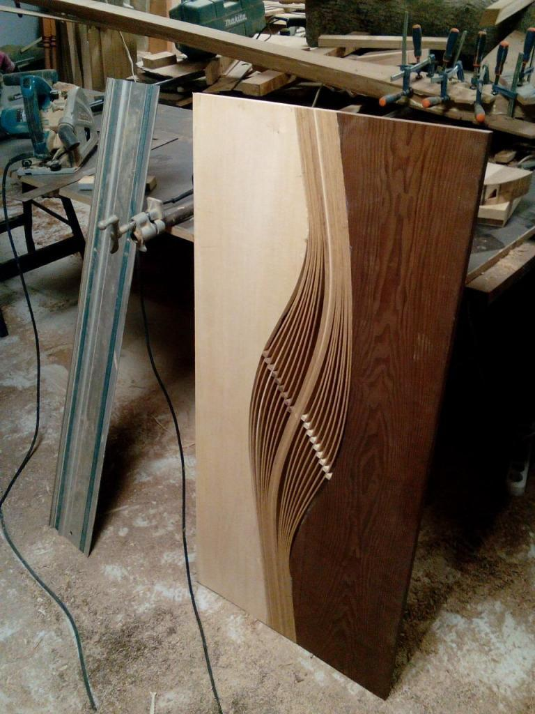 Столик с волнистой вставкой в процессе изготовления (3)