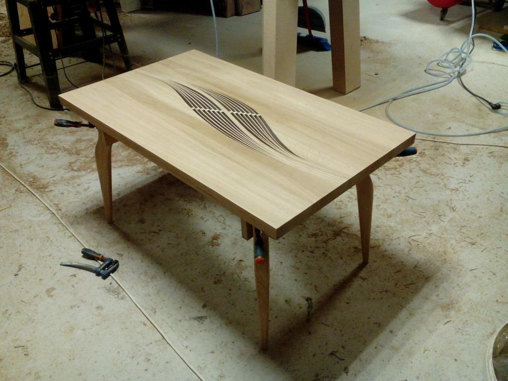 Столик с волнистой вставкой в процессе изготовления (4)