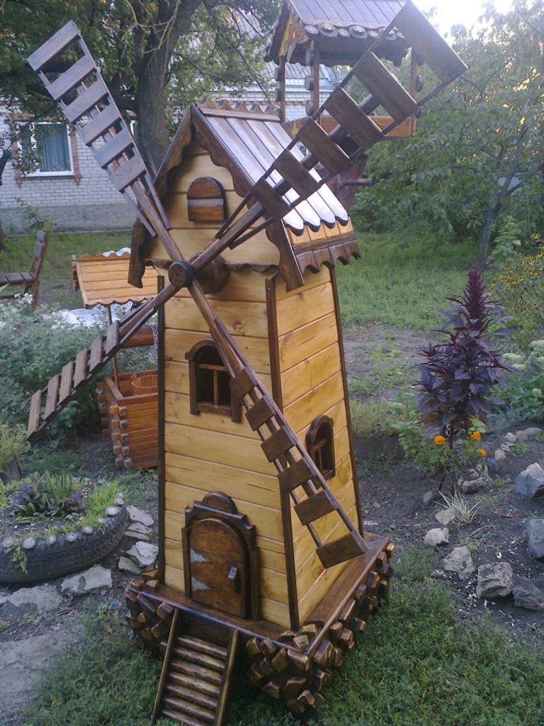 Декоративная мельница из дерева (2)
