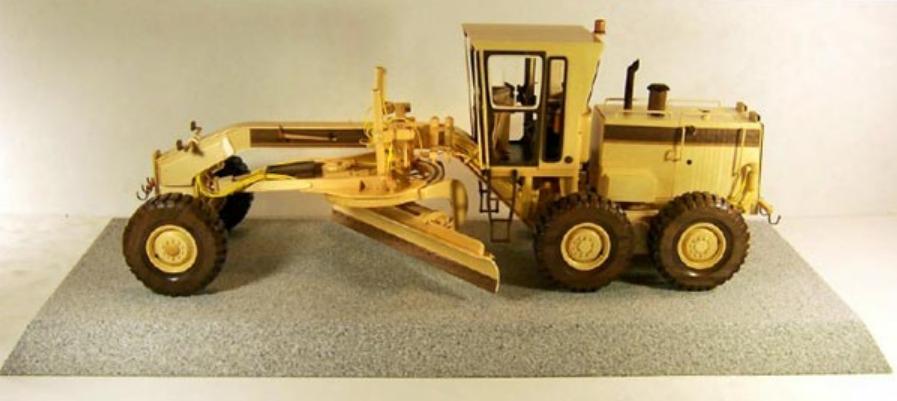 Модель грейдера из дерева. Фото (4)