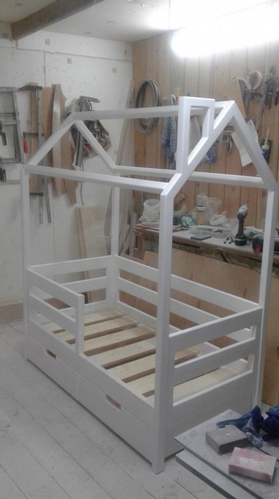 Процесс работы над кроватками-домиками. Фото (8)