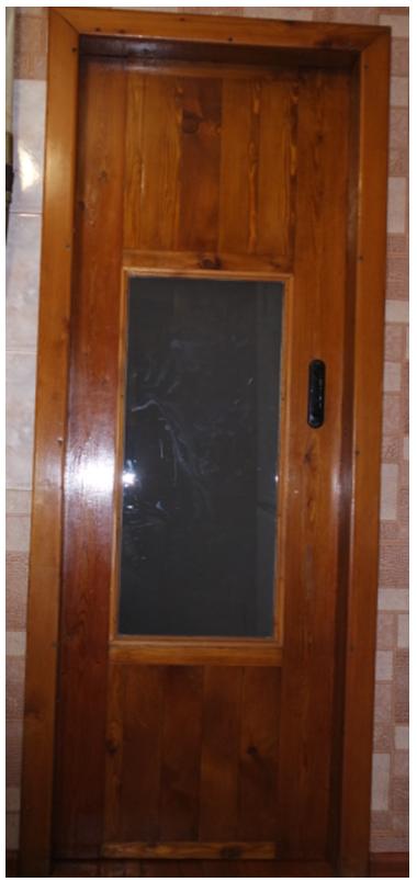 Дверь между кухней и котельной