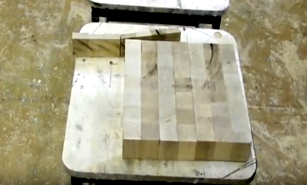 Обрезка склеенной заготовки сиденья