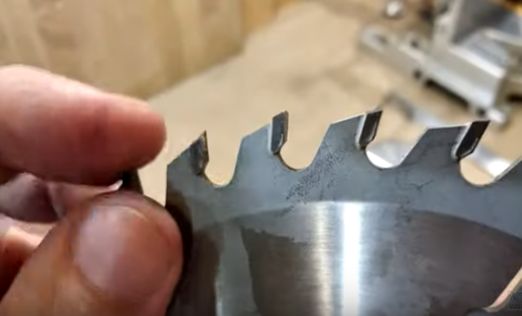 Осмотр состояния зубьев