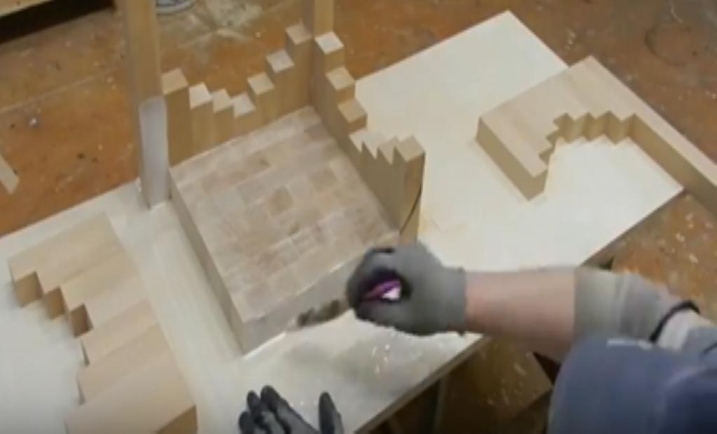 Склеивание деталей табурета