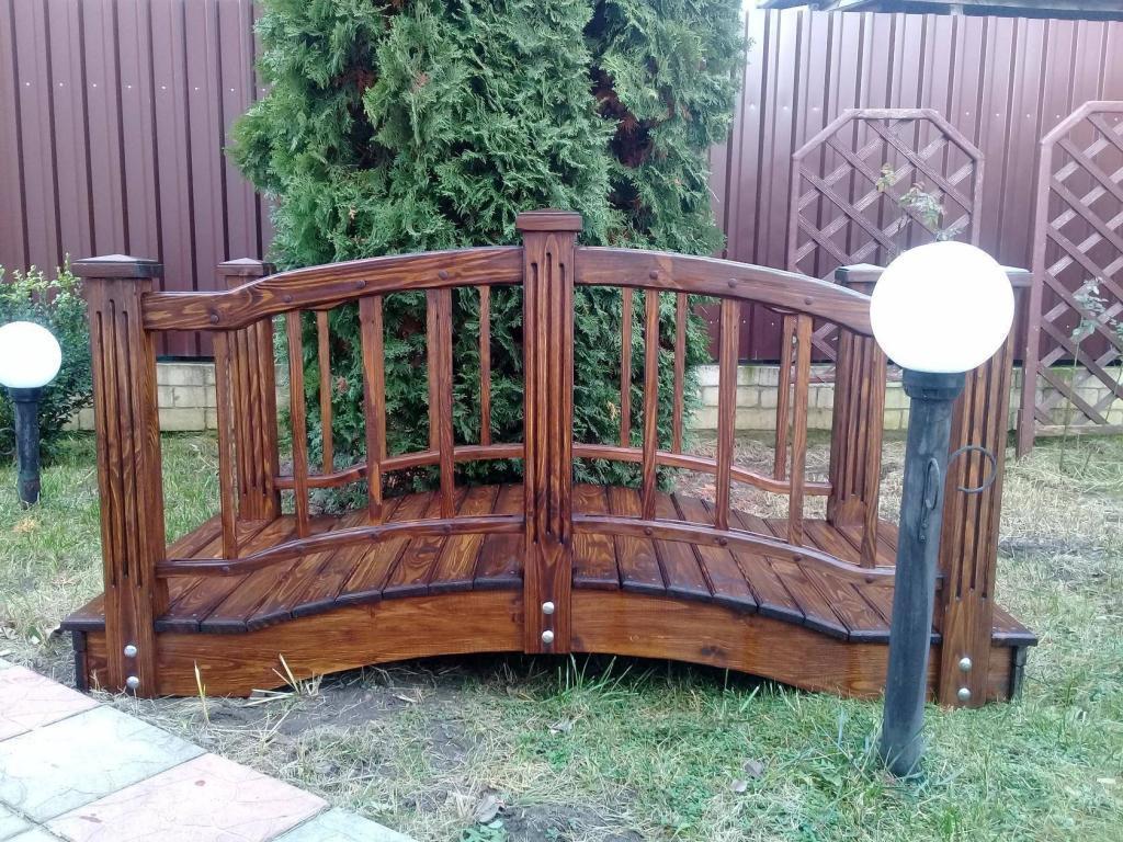 Декоративный деревянный мостик (1)
