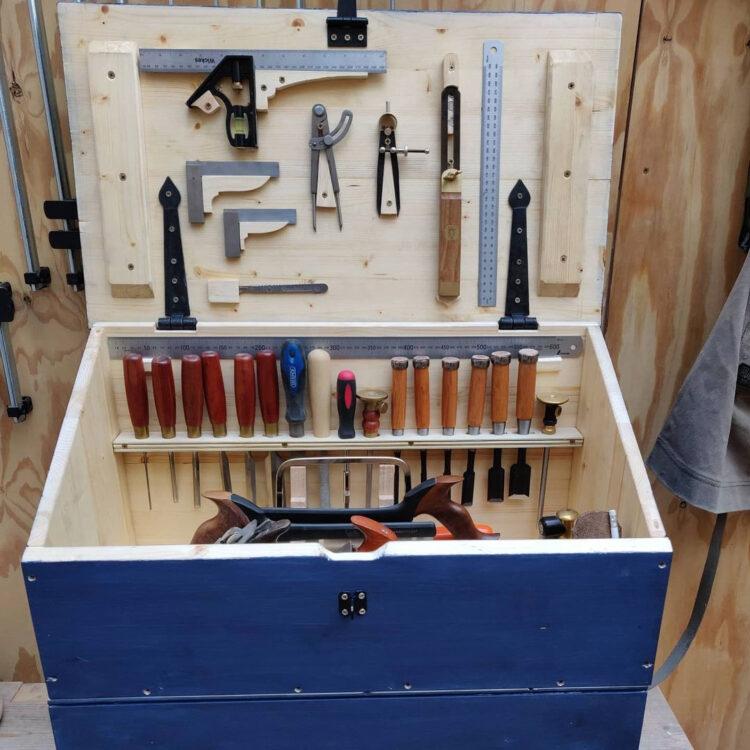 Голландский ящик с инструментами (2)