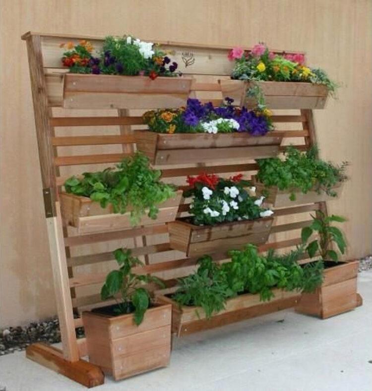 Наклонный стеллаж для цветов