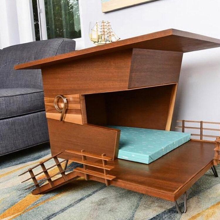 Будка с дизайном в стиле середины 20-го века